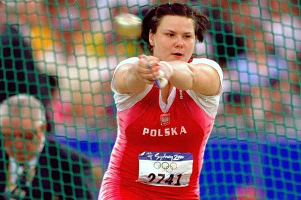 Kamila Skolimowska in the hammer at the 2000 Olympic Games (Getty Images)