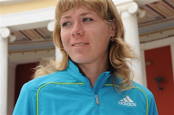 Olga Glok (RUS) - Athens Classic Marathon, 2010 (Bruce Wodder)