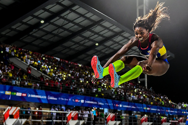 Caterine Ibarguen in the long jump at the Central American and Caribbean Games in Barranquilla (AFP / Getty Images)