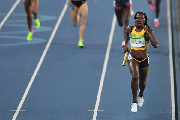 Novlene Williams-Mills anchors Jamaica in the 4x400m at the Rio 2016 Olympic Games (Getty Images)