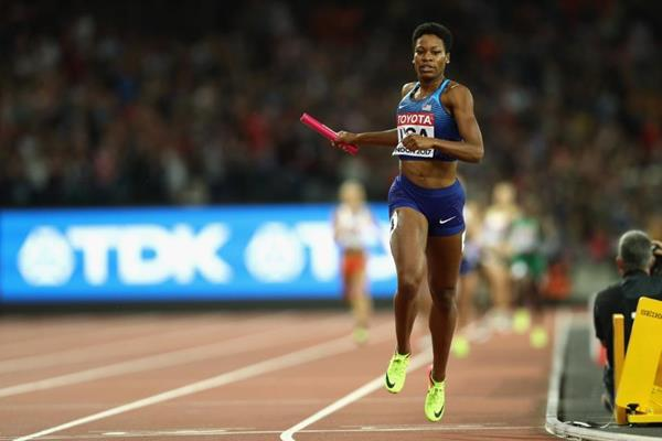 Phyllis Francis anchors the USA to gold in the women's 4x400m at the IAAF World Championships London 2017 (Getty Images)