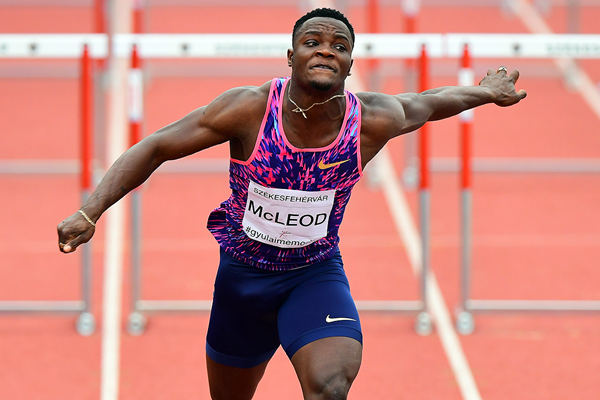 Omar McLeod wins the 110m hurdles in Székesfehérvár (AFP / Getty Images)