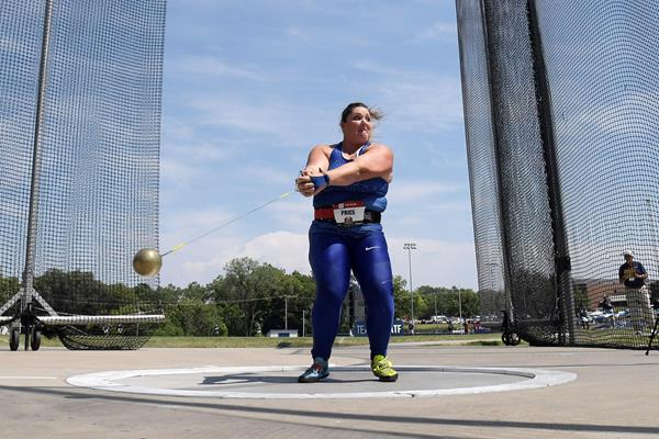 DeAnna Price in action in the hammer at the US Championships (Kirby Lee)