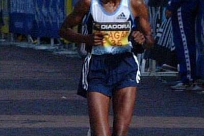 Anne Jelagat wins the Carpi Marathon (Lorenzo Sampaolo)