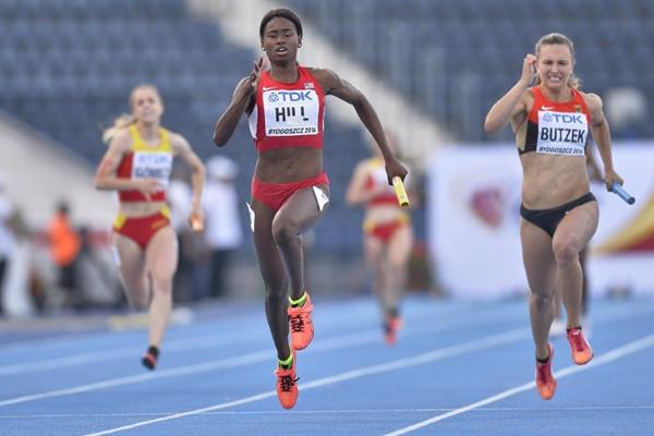 Candace Hill anchors the USA to gold in the 4x100m at the IAAF World U20 Championships Bydgoszcz 2016 (Getty Images)