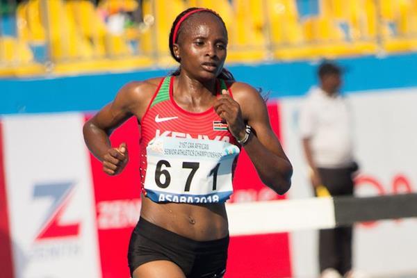 Hellen Obiri en route to her 5000m African title in Asaba (Bob Ramsak)