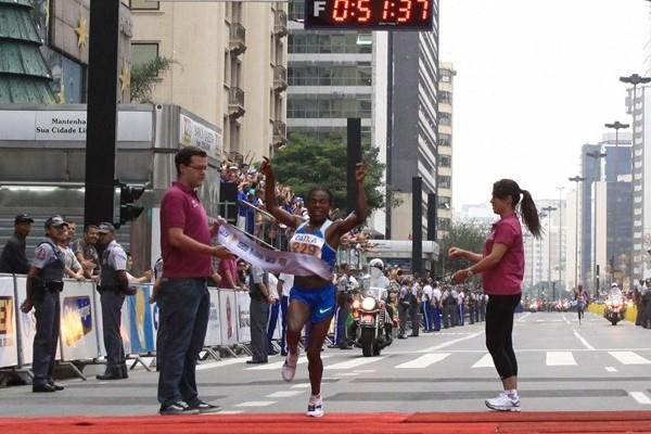 Comfortable victory in Sao Paulo for Ayalew Yimer (Márcio Kato, ZDL)