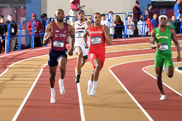 Tyrell Richard on his way to winning the 400m at the NCAA Indoor Championships (Kirby Lee)