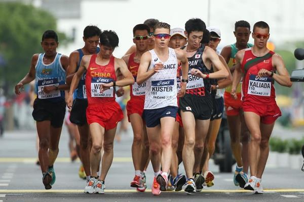 David Kuster leads the U20 men's 10km at the IAAF World Race Walking Team Championships Taicang 2018 (Getty Images)