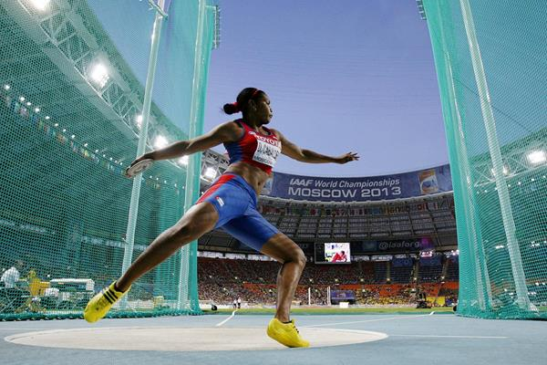 Cuba's Denia Caballero in action in the discus at the IAAF World Championships (AFP / Getty Images)