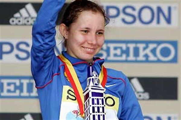 Russia's Vera Sokolova with her La Coruña trophy (Getty Images)