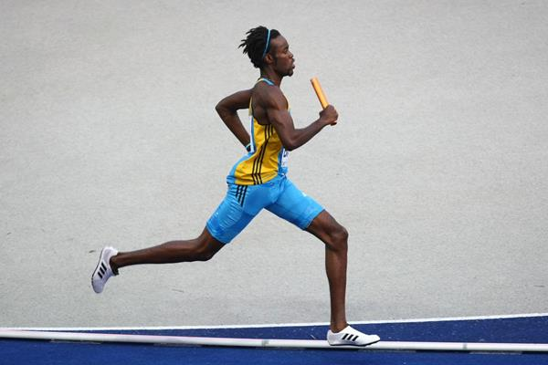 Latoy Williams of the Bahamas in action in the 4x400m relay (Getty Images)