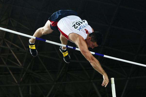 Brad Walker of USA in action in the Men's Pole Vault Final (Bongarts/Getty Images)