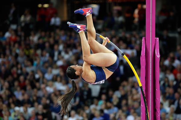 Robeilys Peinado in action in the women's pole vault at the IAAF World Championships London 2017 (Getty)