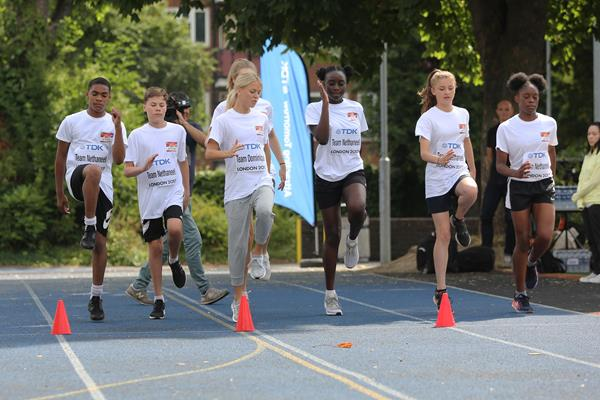 Dominque Scott leads young athletes in drills in London (organisers)