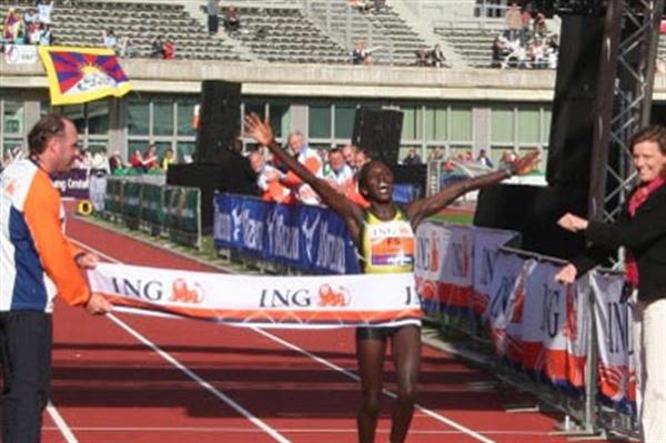 In her debut, Magdaline Chemjor takes Amsterdam honours (ING Amsterdam Marathon)