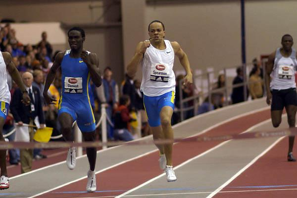Wallace Spearmon en route to his 300m World best (Randy Miyazaki)