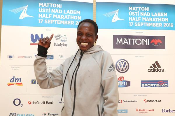 All smiles - Peres Jepchirchir ahead of her title defence at the 2016 Mattoni Usti nad Labem Half Marathon (Giancarlo Colombo/organisers)