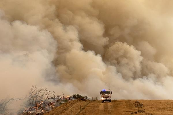 Fires in Australia (robdownunder / Flickr)