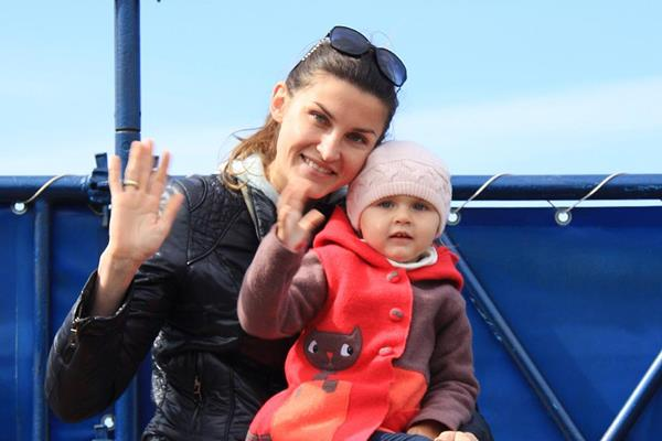 Anna Chicherova with daughter Nika (SPIKES)