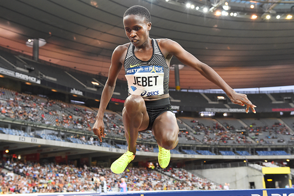Ruth Jebet in the 3000m steeplechase at the IAAF Diamond League meeting in Paris (Jiro Mochizuki)