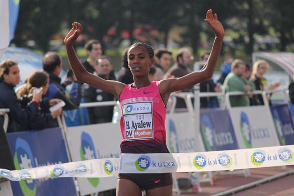 Hiwot Ayalew wins the women's race in Elgoibar (Alfambra Fundación ANOC)