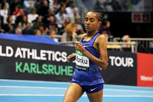 Fantu Worku on her way to winning the 3000m at the World Athletics Indoor Tour meeting in Karlsruhe (Jean-Pierre Durand)