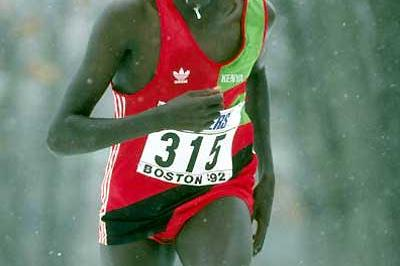 John Ngugi in action at the 1992 World XC in Boston, USA (Getty Images)