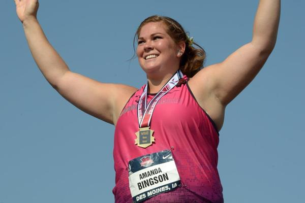 Amanda Bingson celebrates her US record in the Hammer at the 2013 US Championships (Kirby Lee)