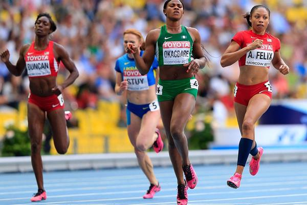 Blessing Okagbare and Allyson Felix in the womens 200m at the IAAF World Athletics Championships Moscow 2013 (Getty Images)
