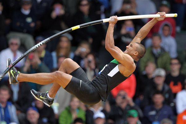 Ashton Eaton tops a personal best 5.30m in Eugene (Getty Images)