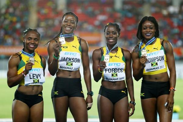 Jamaica's victorious 4x200m quartet in Nassau (Getty Images)