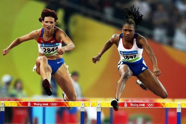 Yekaterina Bikert (l) and Tasha Danvers (r) progress to the Beijing 400m hurdles Olympic final (Getty Images)