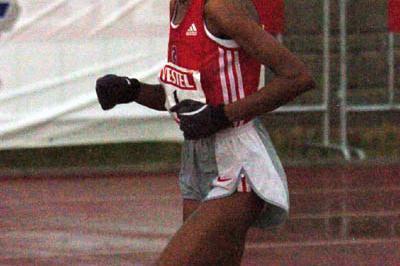 Elvan Abeylegesse en route to her 30:21.67 victory in Antalya (Hasse Sjogren)