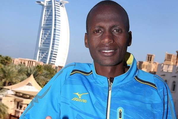 Jonathan Maiyo ahead of the 2014 Standard Chartered Dubai Marathon (Organisers / Gianfranco Colombo)