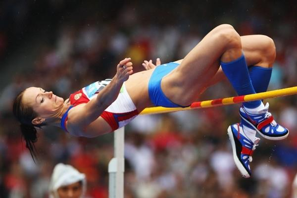 Defending champion Yelena Slesarenko gets through to the Olympic final after a third-attempt clearance at 1.93m (Getty Images)