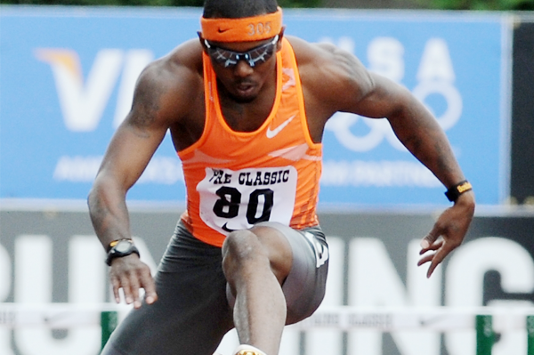 Bershawn Jackson on his way to winning the 400m hurdles at the Prefontaine Classic in Eugene (Randy Miyazaki)