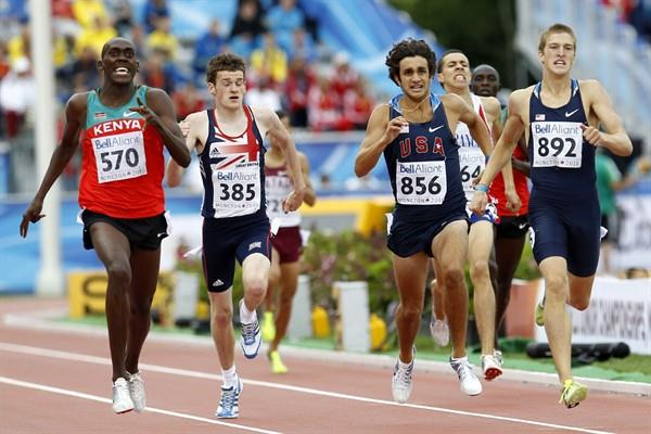 David Mutua of Kenya produces a stunning final 100m to deny a USA 1-2 in the 800m (Getty Images)