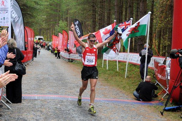 Commonwealth Trail Running champion Richie Gardiner (CMUDC2011)