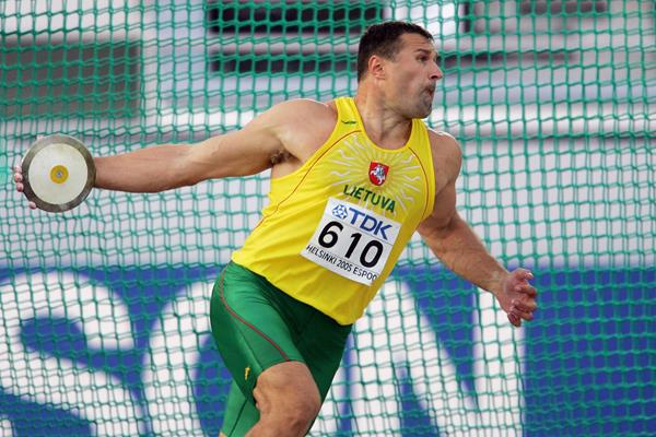 Virgilijus Alekna in the discus at the 2005 IAAF World Championships in Helsinki (Getty Images)
