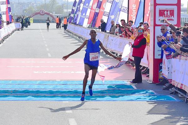 Ismail Juma wins the Istanbul Half Marathon (Organisers)
