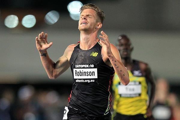 Brett Robinson wins the 10,000m at the Zatopek meeting in Melbourne (Getty Images)