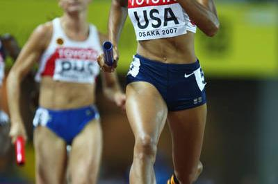Allyson Felix runs the second leg for the US in the women's 4x400m (Getty Images)