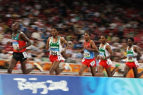 Kenyan Micah Kogo and Eritrea's Zersenay Tadese try to break up the Ethiopian trio of Haile Gebrselassie, Kenenisa Bekele and Sileshi Sihine (Getty Images)