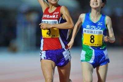 Yoko Shibui taking the Japanese 10,000m title (Kazutaka Eguchi/Agence SHOT)