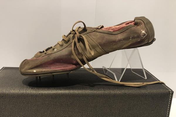 Shoe worn by Adhemar Da Silva at the 1956 Olympic Games (IAAF)