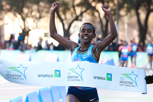 Ruti Aga wins the Houston Half Marathon (Victah Sailer / organisers)