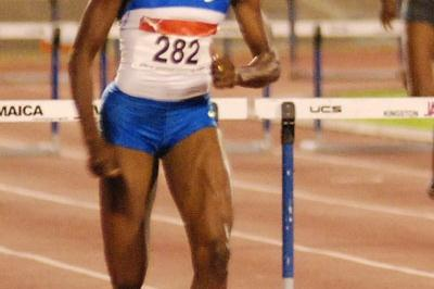 Melaine Walker en route to victory at the Jamaican championships (Sporting Eagle)