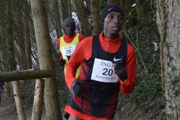 Japhet Korir working his way towards victory (Rosch Kohl)