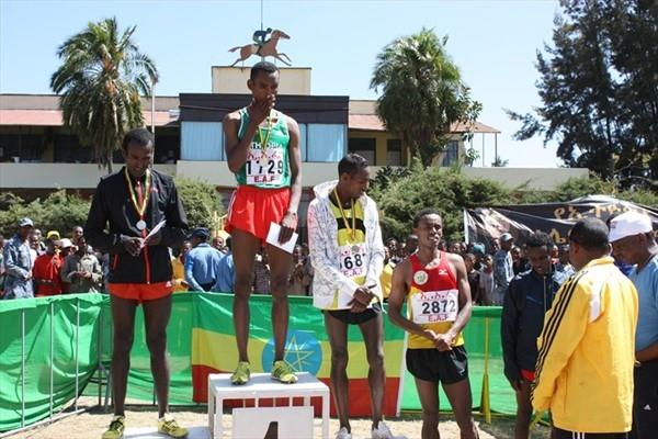 Hunegnaw Mesfin (c) after taking the senior title at the Ethiopian World XC trials (Organisers)
